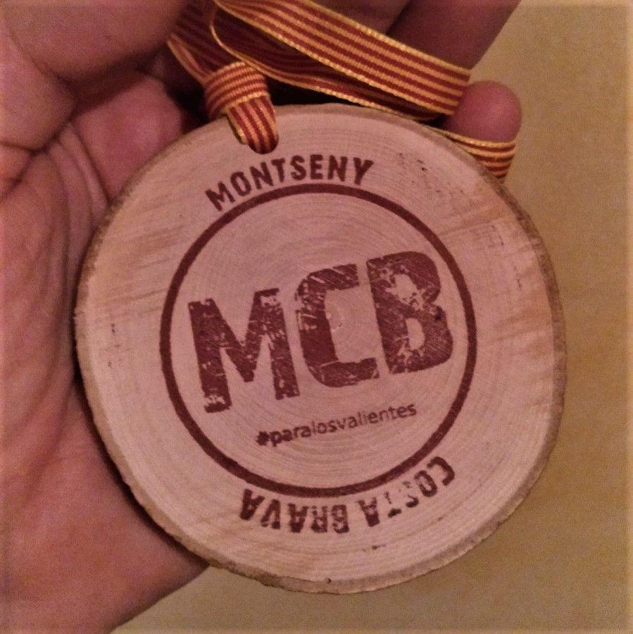 Medalla fusta estampació a color