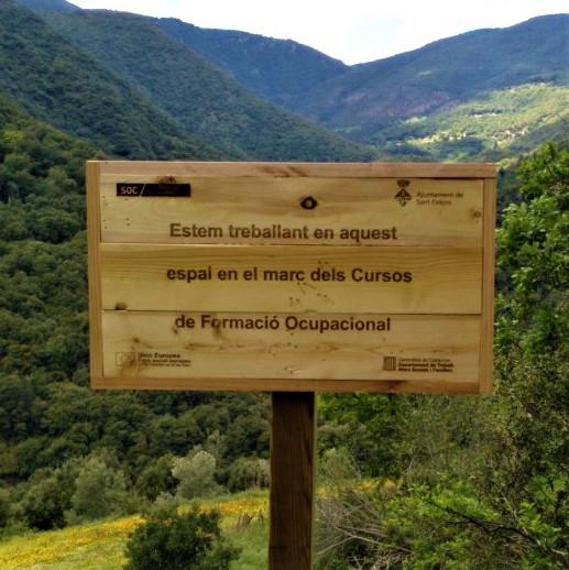 Rètol de fusta de palet per l'Ajuntament de Sant Celoni