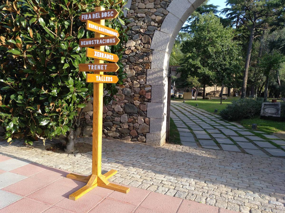 Senyalistica fusta Fira del Bosc de Sant Celoni